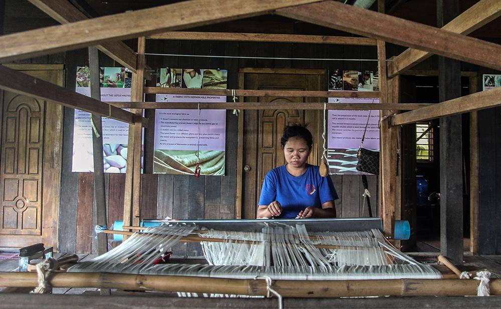 các làng nghề làm vải lụa tơ tằm